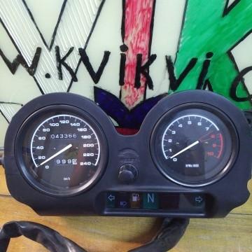 Приборная панель на BMW R850 RT